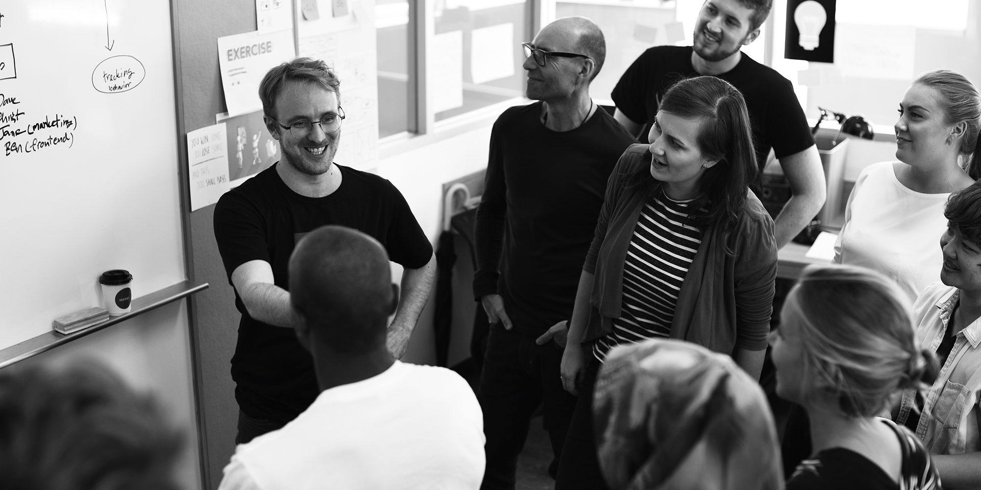 startup-business-team-brainstorming-on-meeting-wor-PJQM2HH.jpg